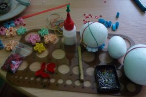 Quillingové vajíčko materiál